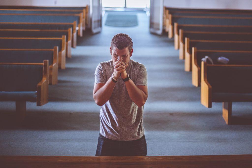 praying-2179326_1920
