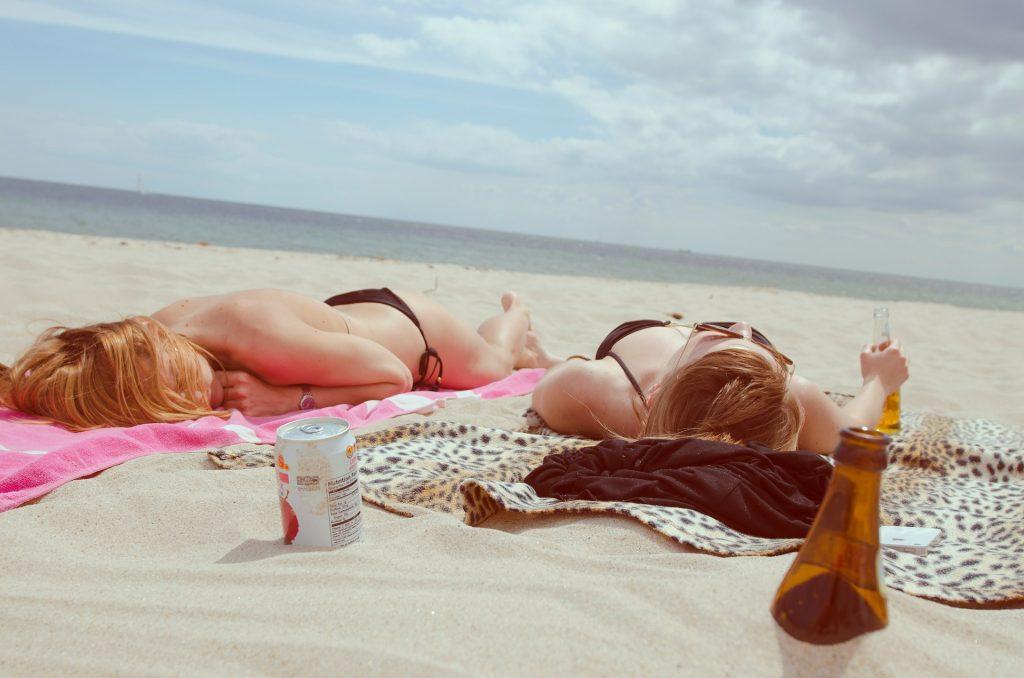 strand zonnen