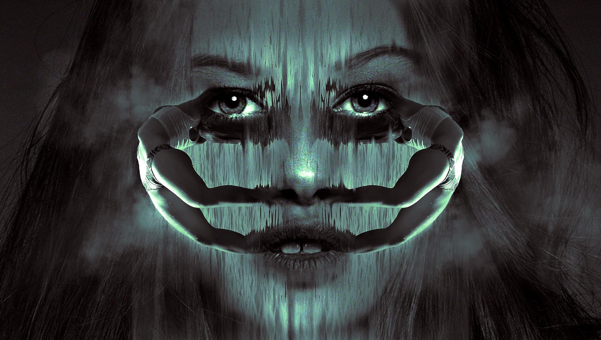 spiegelbeeld vrouw